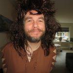 Flintstonesthema. Marco in een kostuum voor een feestje Flintstonesthema
