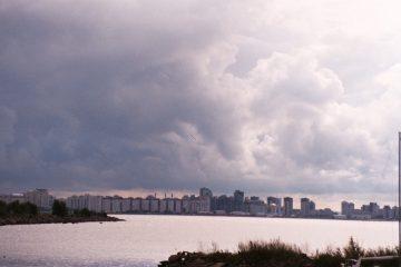 van sjundorovo naar Narva - wereldleiders. skyline Sint-pPetersburg
