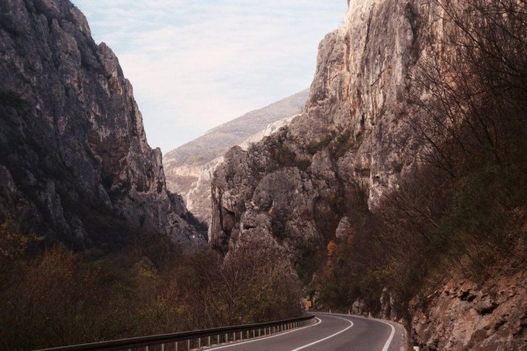 Van Sofia naar Pirot - Rotswegen in Servië