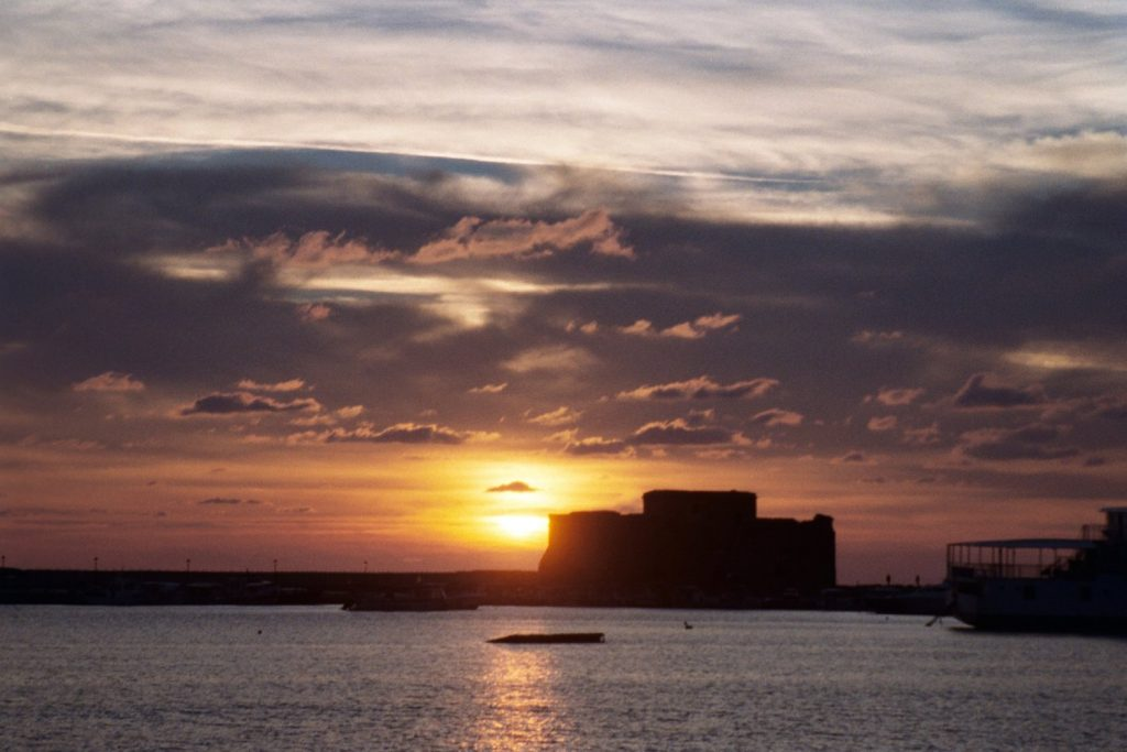 Paphos - Zonsondergang boven fort