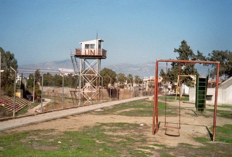 Van Nicosia naar Nicosia- Gekke grenzen