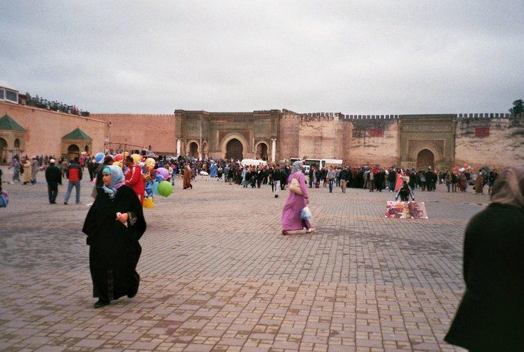 Van Meknes naar Azrou - Verkleumd - Bab al Mansoor