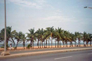 Van Aného naar Lomé - Weggegoocheld - strand Lomé